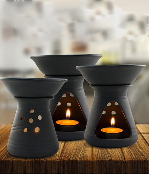 purfume oil diffuser in black porcelain
